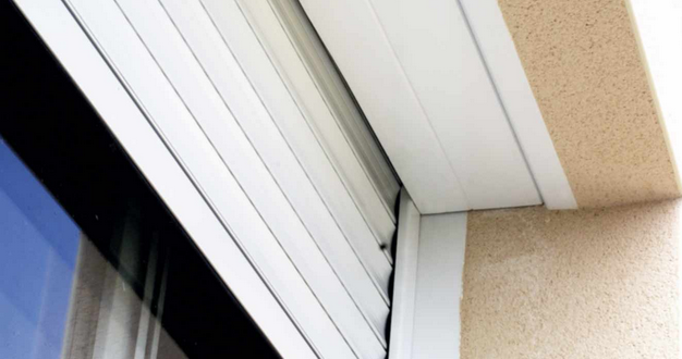remplacement du condensateur permanent du volet roulant. Black Bedroom Furniture Sets. Home Design Ideas